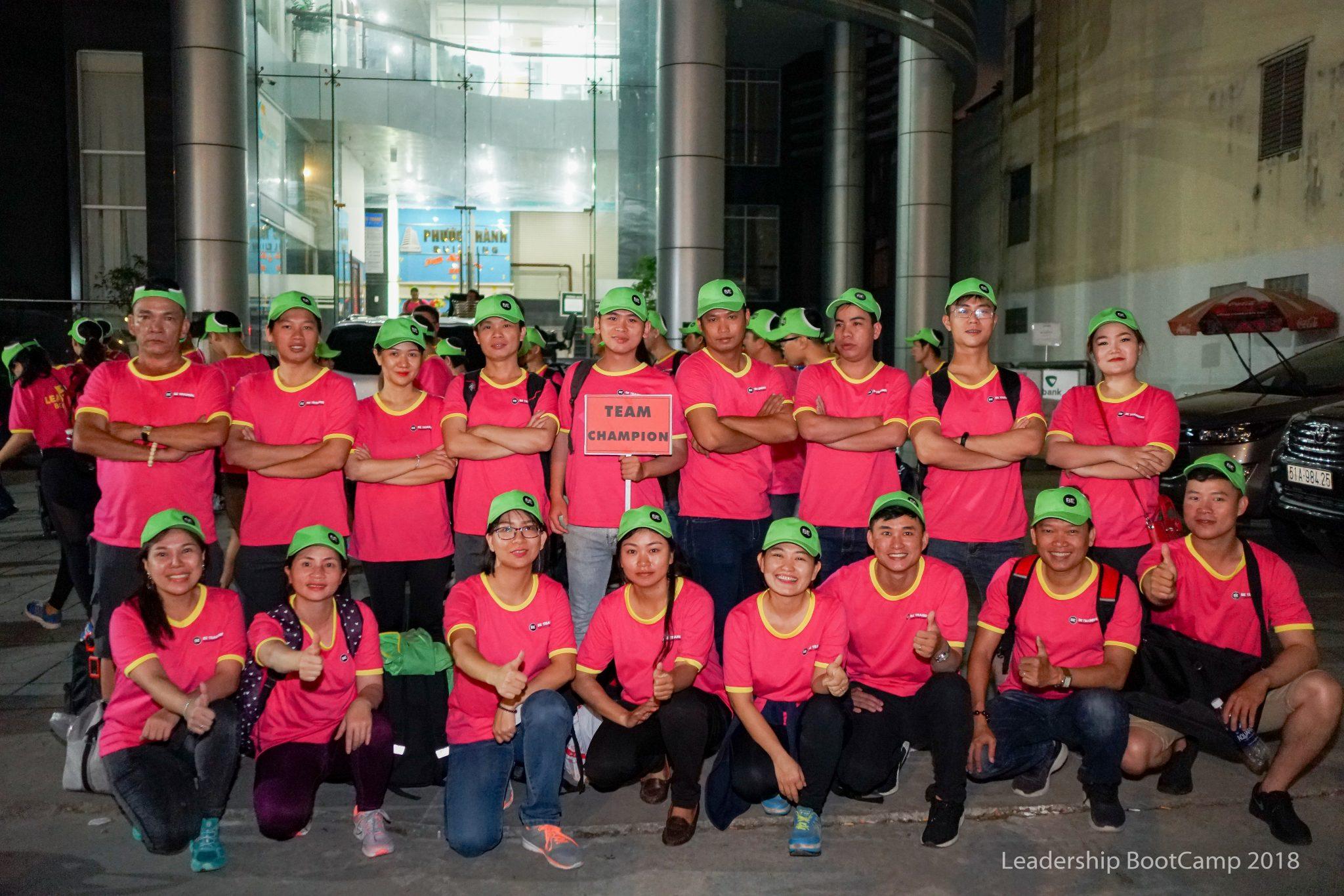 Team Champion với slogan kết nối để thành công.